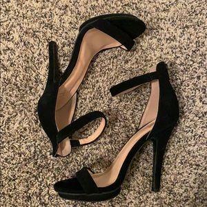 WINDSOR || heels